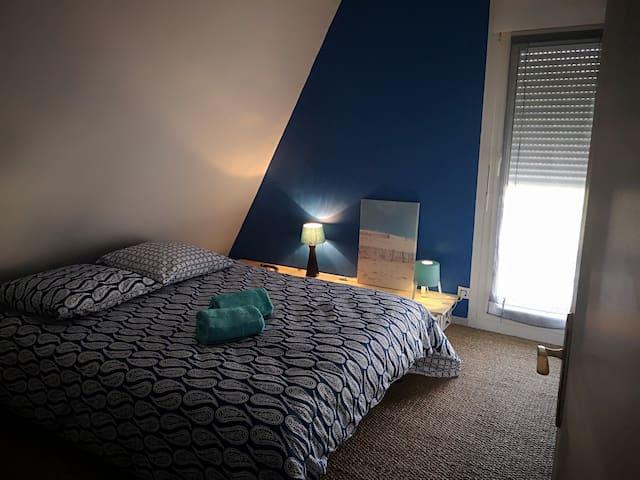 la chambre 3 se trouve à l'étage à cote de la chambre 1