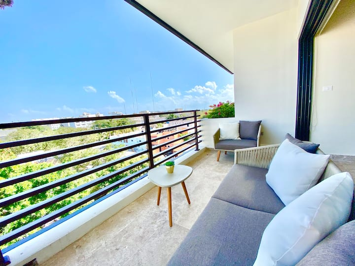 Fancy 1 bedroom Condo with City Views in Arenis