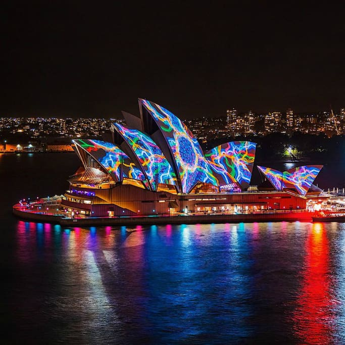 Circular quay 2bed wifi pool aircon apartments for rent for Pool show 2015 sydney