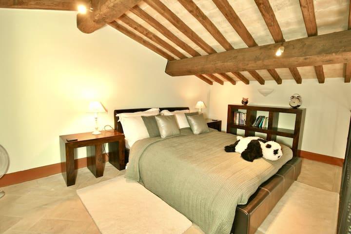Mezzanine Bed (Bedroom 2)