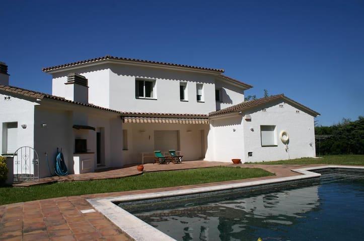 Villa de 6 habitaciones con piscina privada