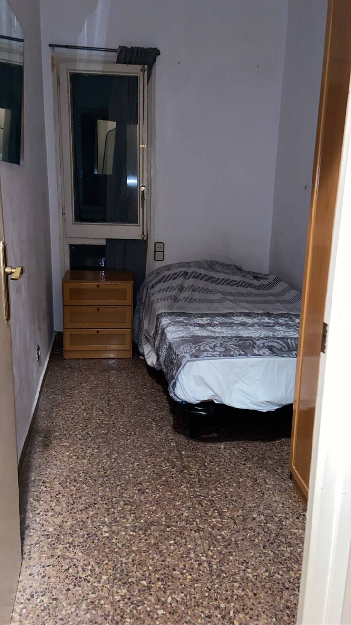 Alquiler cerca de Sants , apartamento cálido