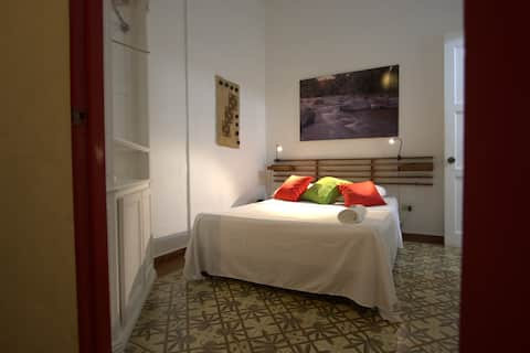ZONA COLONIAL Walking distance Tiny Cool Room