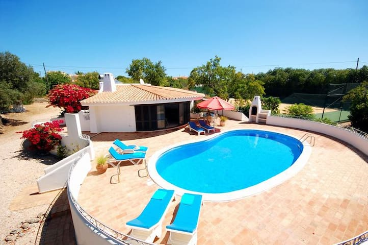 Villa with pool and tennis court close to beach