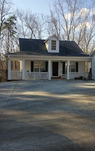 Private Guest House - Conyers