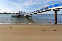 Beach Northpier is just 2km from the Cottage, incl. the WaterTaxi 'mini cruise', that sails 4 times a day from April - October (departure just 500 meter from the Cottage). EVERY 1st SUNDAY of the MONTH a Stopover is made, to visit FORT ISLAND