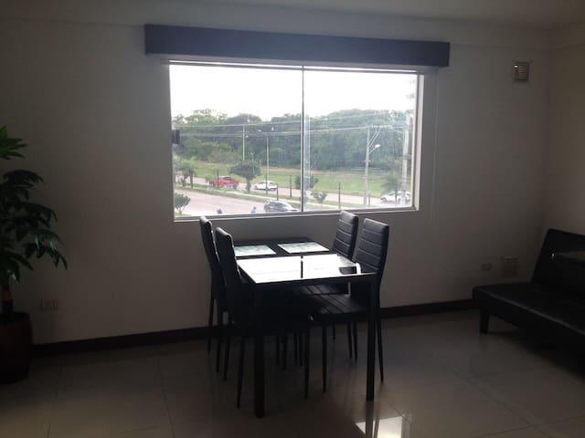 Great location-centro empresarial, nice view, new. - Santa Cruz - Apartemen