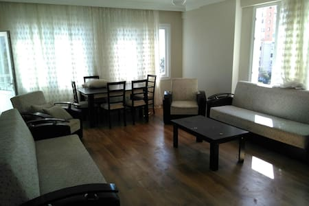 A 3 bedroom app. With sea view - Mersin