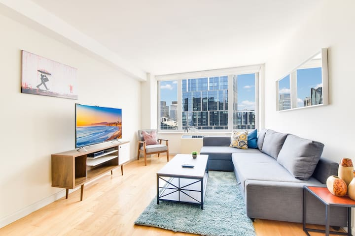 Beautiful Apt in Luxury building  Lincoln Center
