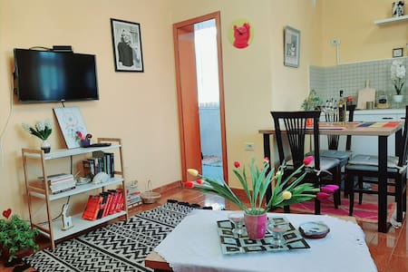 Spacious, charm apartment  in center-2 min walk