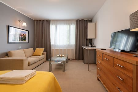 Tallinn Airport Guest House, 5-7mins from Airport