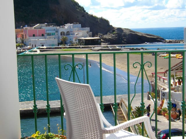 Casa S.Angelo. 50 mt beach. Sea View.Ischia Island