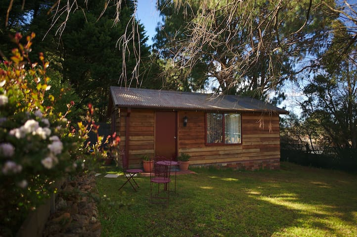 Cosy Cabin Retreat. Wentworth Falls