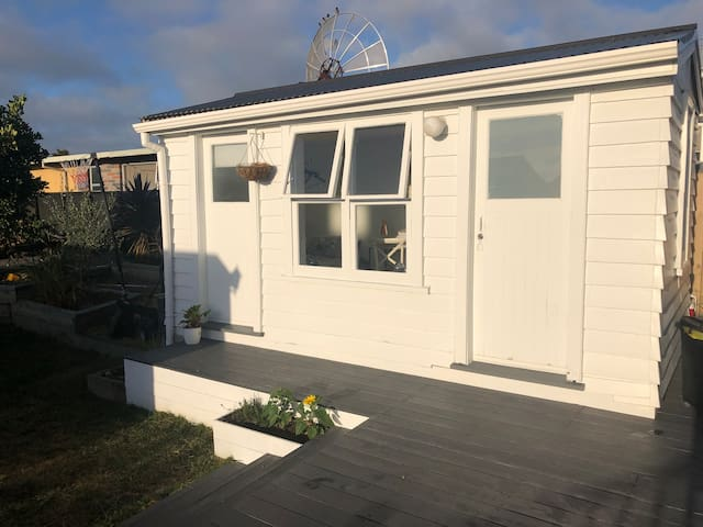 Cosy detached garden studio