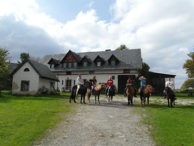 Ponyhotel Kopaniec - Kopaniec - Rumah