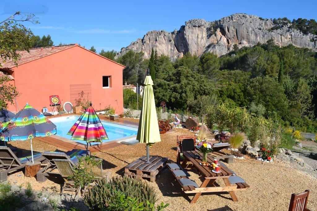Villa avec piscine dans un écrin de verdure sur 7500m² de terrain