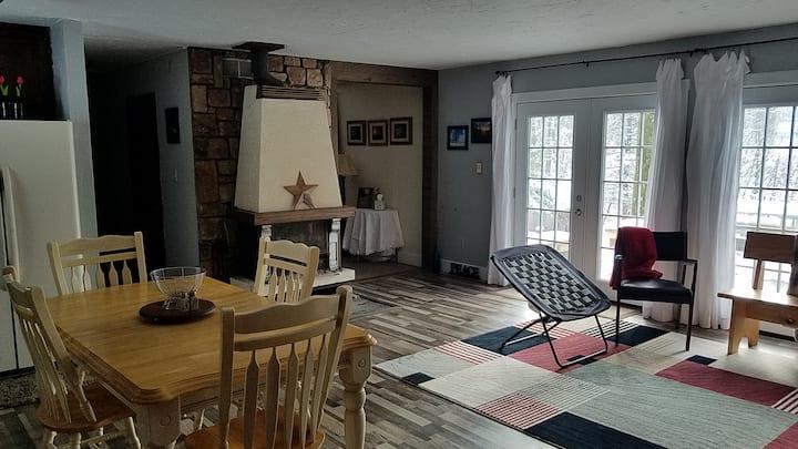 Rustic peaceful getaway in Indiana PA