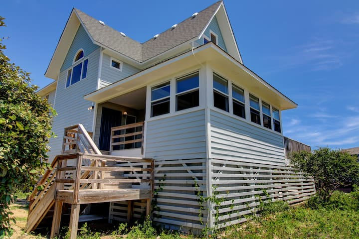 A Shannon 4 Bedroom Home at Tuckahoe Semi-oceanfront 4 bedroom home