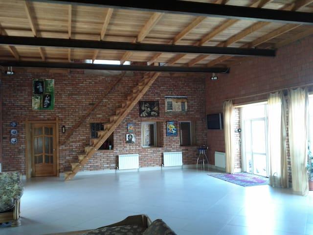 Отдельный дом для комфортного проживания - Engels - Hus