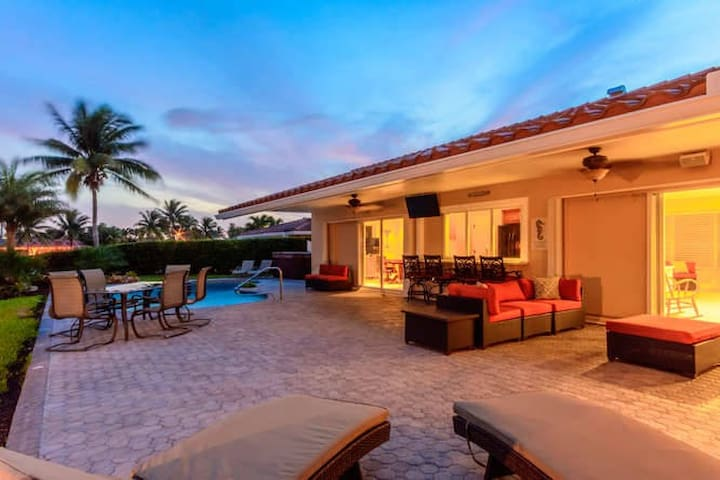 Spectacular backyard Playground on the Water - Pompano Beach - House