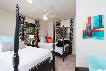 A Great Place To Stay and Tailgate - Fayetteville - Appartement