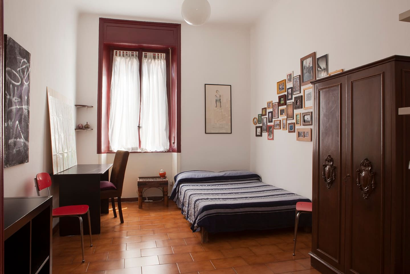 stanza in affitto/room to let