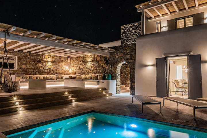 Iakinthos Luxury private Villa with unique seaview