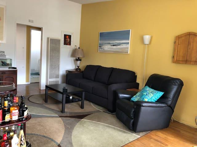 Playa del Rey Beachy 1 bedroom apartment