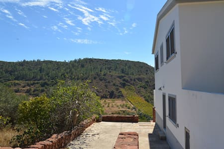 Modern house with stunning views - São Bartolomeu de Messines