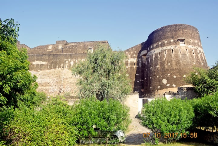 Royal stay in Fort- Near Sambhar Lake