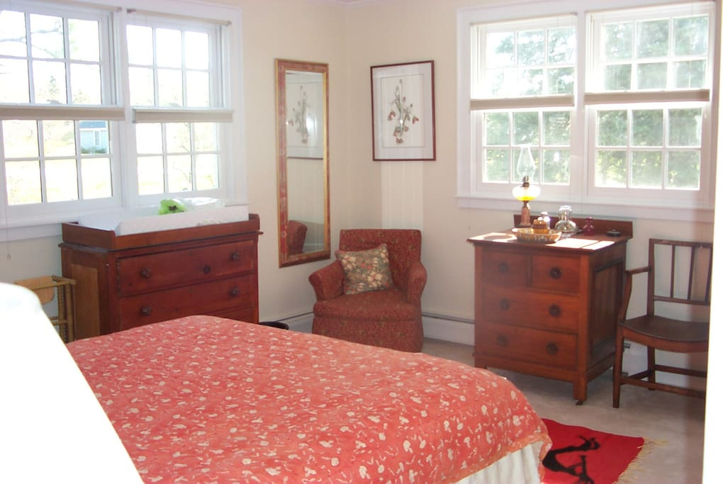 Downstairs double guestroom