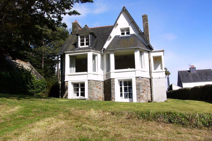 Traumhaftes Ferienhaus mit Meerblick/ Bretagne - Locquirec