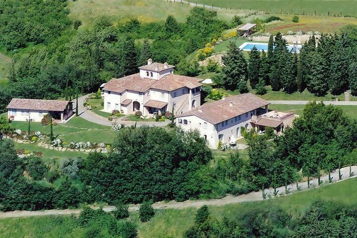 4 etoiles maison de vacances a Gambassi Terme