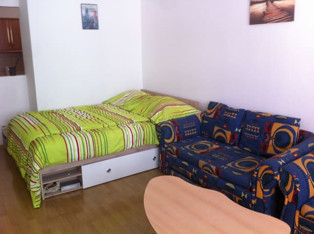 Near Historical Center and O2 Arena, - Prag - Daire