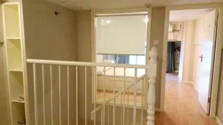 高新区凤凰水岸复式精装公寓