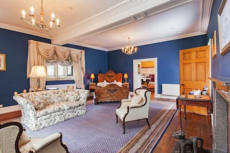 Austwick Hall - Blue Room - Town Head