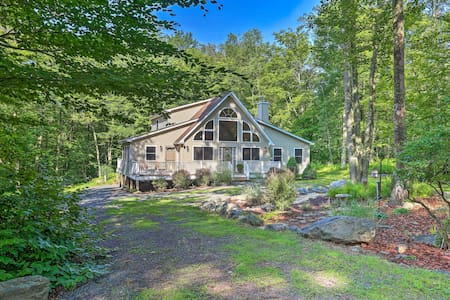 Gouldsboro Cabin w/Access to Shared Amenities
