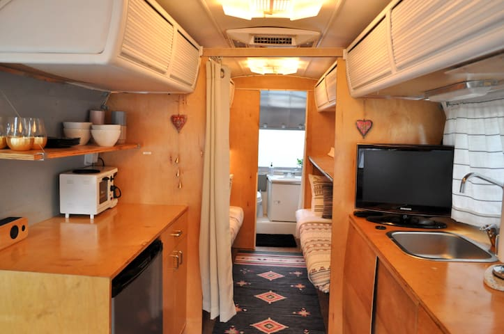 Airstream Glamping - Steps Away from SOCO!