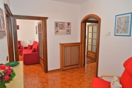 Accogliente e luminoso appartamento - Tirano - Wohnung