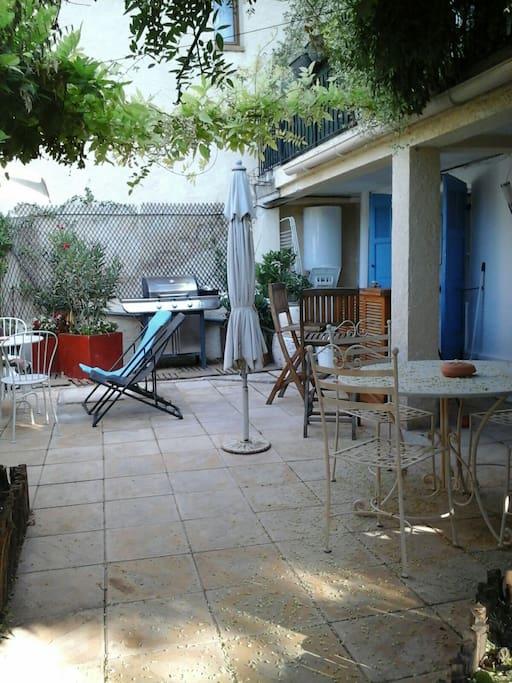 patio avec bbq