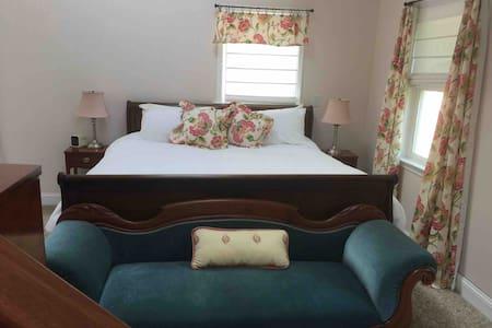 Beautiful,Comfortable,Fab Location, Big 6 Bedroom