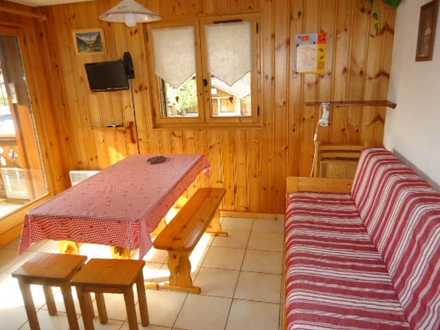 EDEL14 - 2 rooms + entrance lobby 6 people
