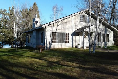 Cozy Home long /short Term on Lake - Trego