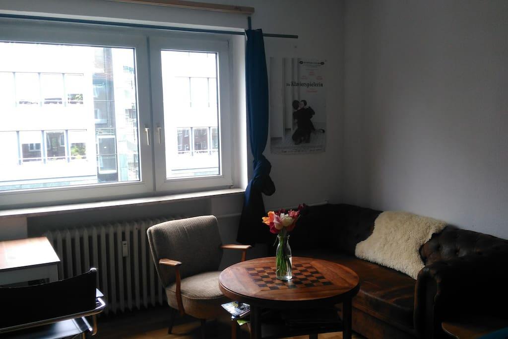 gem tliche 1 zimmer wohnung in zentraler lage wohnungen zur miete in hamburg hamburg deutschland. Black Bedroom Furniture Sets. Home Design Ideas