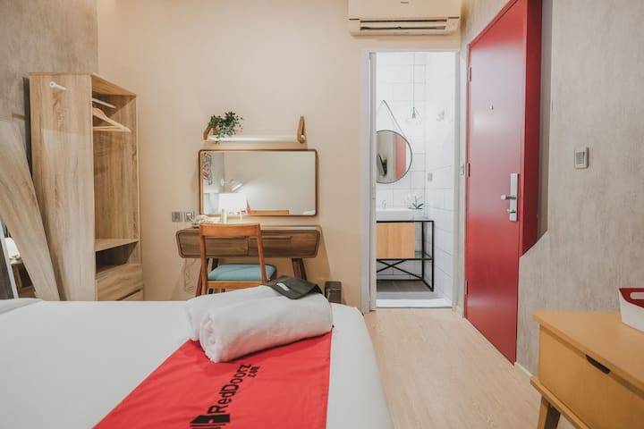 Hotel Room near Sudirman Station & Bundaran  HI