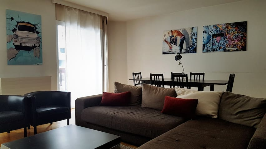Spacious & calm 2 bedroom flat - Veyrier - Apartamento