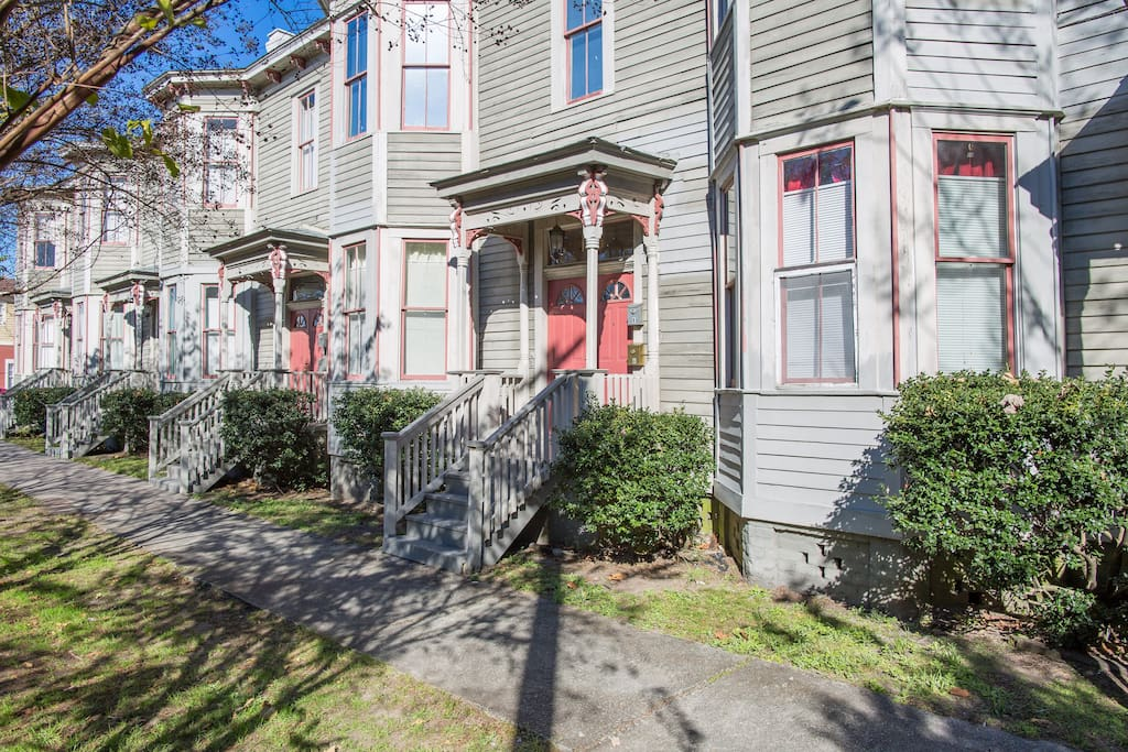Formal Suite Hall Street Downtown Apartments For Rent In Savannah Georgia United States