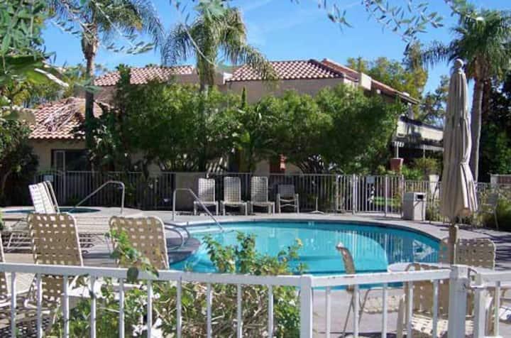 Great Resort in Palm Springs, 8 swimming pools!!