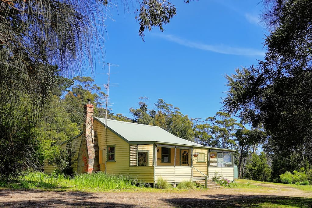 1920's Historical Broadwater Cottage