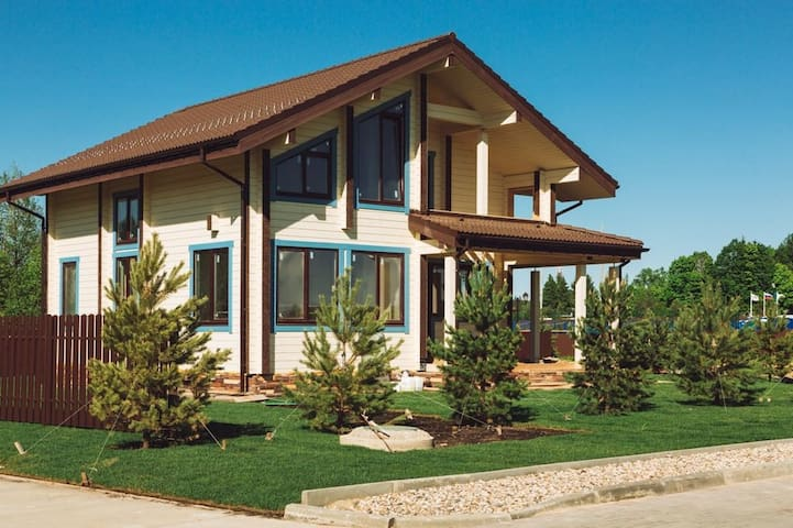 Двухэтажный коттедж Руза Фэмили Парк и СПА